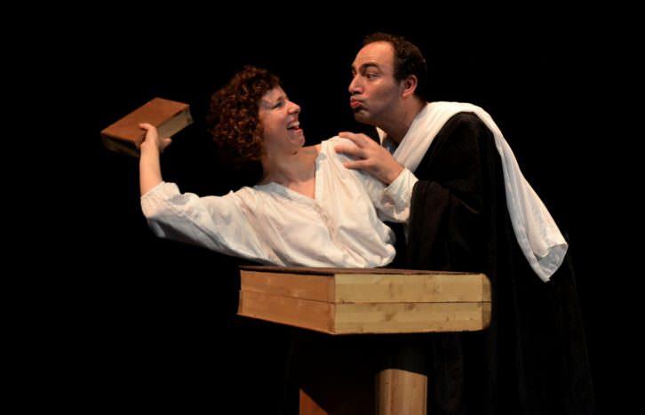 Escena de 'L'Espill'. Imagen cortesía de Teatre Micalet.