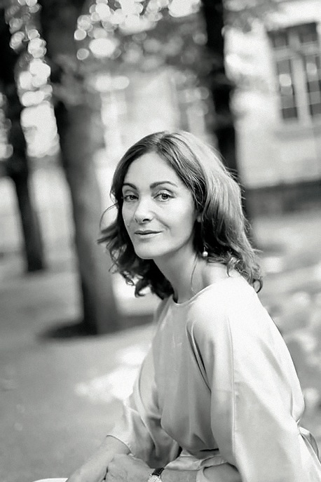Émilie Frèche. Fotografía de Melania Avanzato por cortesía de la autora.