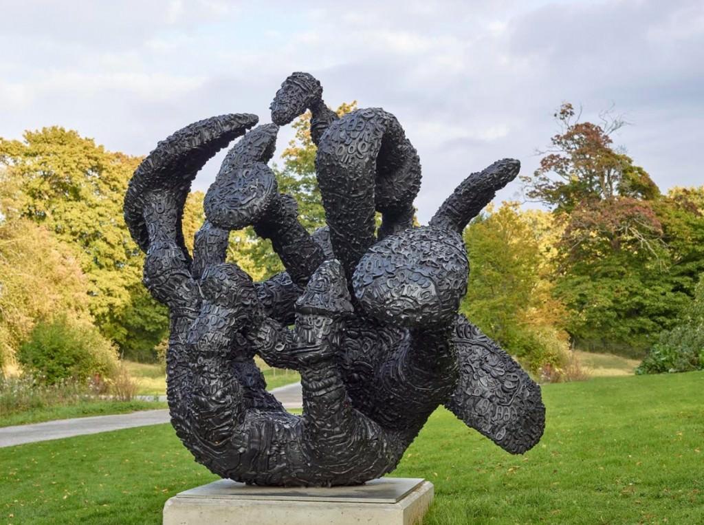 Escultura de Tony Cragg. Imagen cortesía de Fundación Hortensia Herrero.