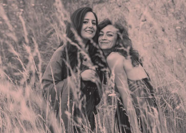 Carmen París y Nabaly Maan. Imagen cortesía del Museo de Etnologia.