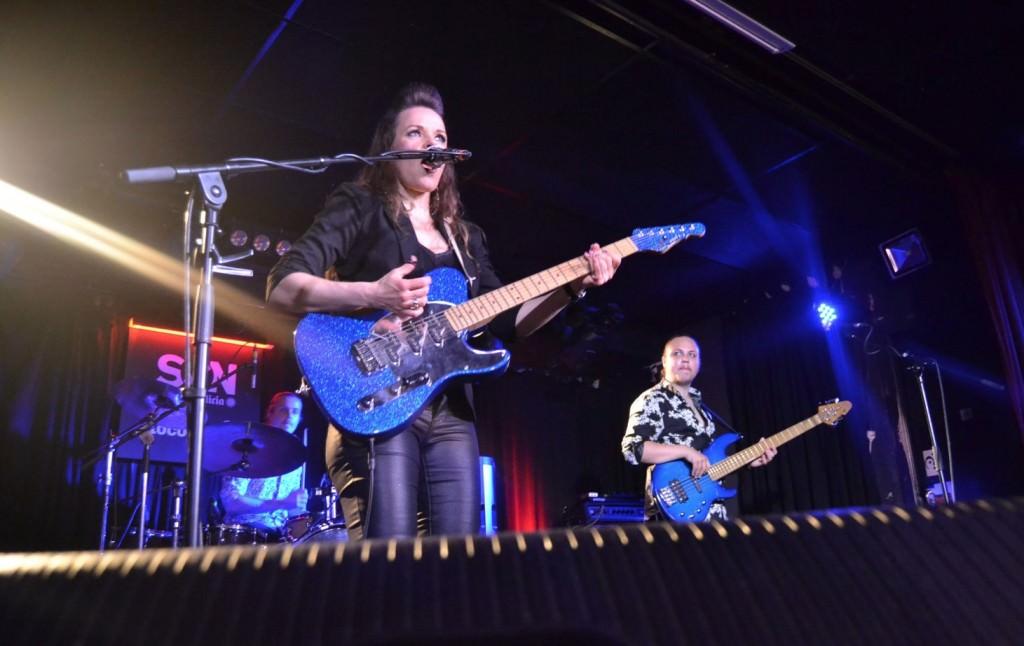Erja, durante el concierto en la Sala Loco Club de Valencia. Foto: Lorena Riestra