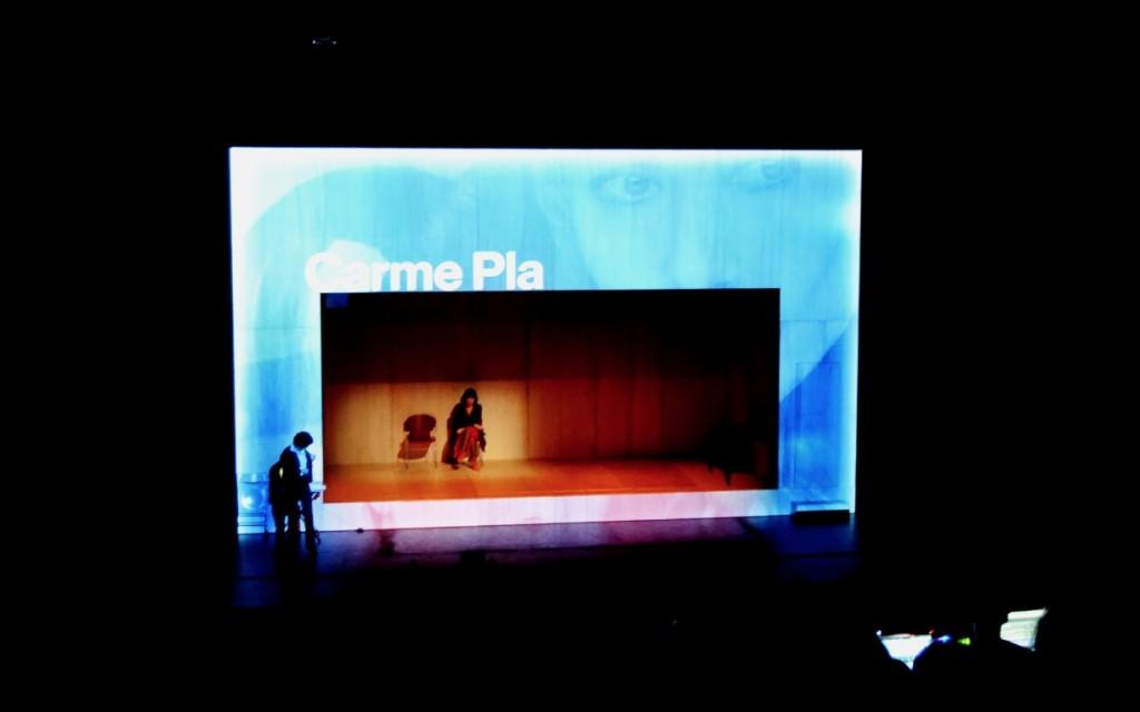 Escena de E.V.A., de T de Teatre. Foto: Lorena Riestra