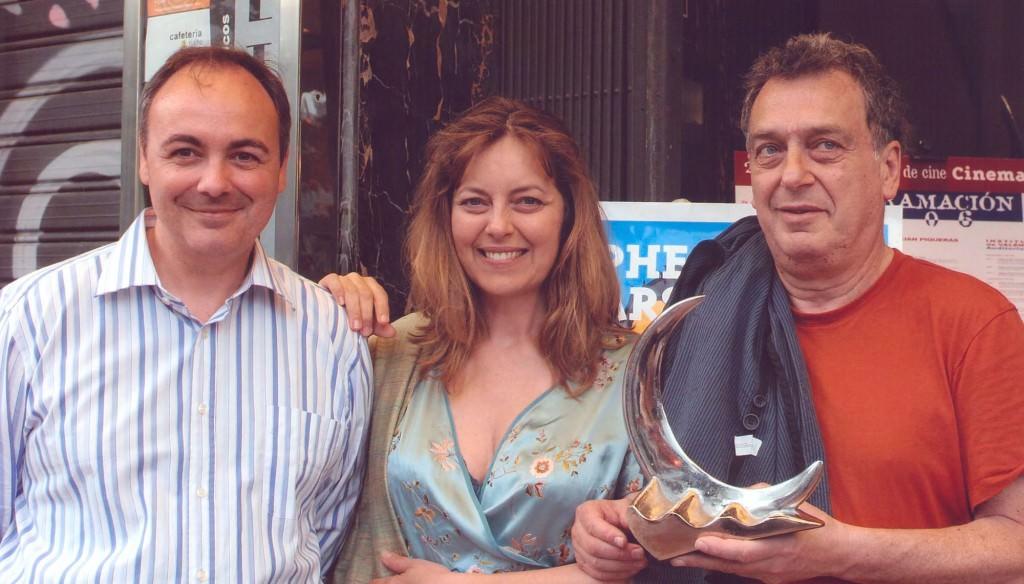 Stephen Frears, junto a Greta Scacchi y Rafael Maluenda, en Cinema Jove. Imagen cortesía del autor.