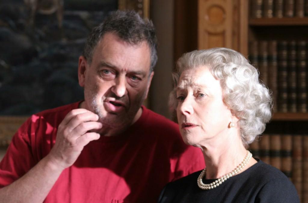 Stephen Frears junto a Helen Mirren durante el rodaje de 'La reina'.