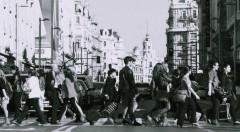 Gente andado por la calle. Fotografía cortesía de Jorge París.