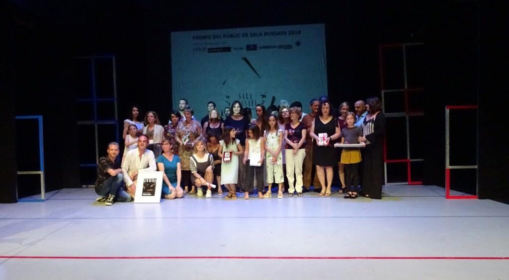 Imagen general de los galardonados con los VII Premis del Públic Sala Russafa. Fotografía cortesía de los organizadores.