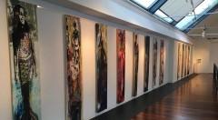 Imagen general de una parte de la exposición 'Profundidades accesibles', de Silvia Mercé, comisariada por Marisa Giménez, en La Casa del Cable Espai D'Art de Xàbia. Fotografía cortesía de la artista.