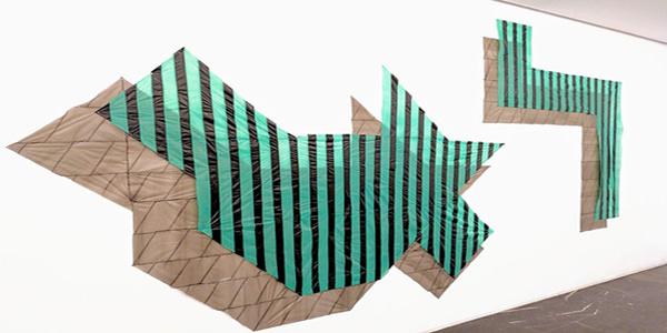 """""""Patchwork"""" de Elisa Pardo realizados mediante bolsas sintéticas. Fotografía capturada por Cristian Torada."""