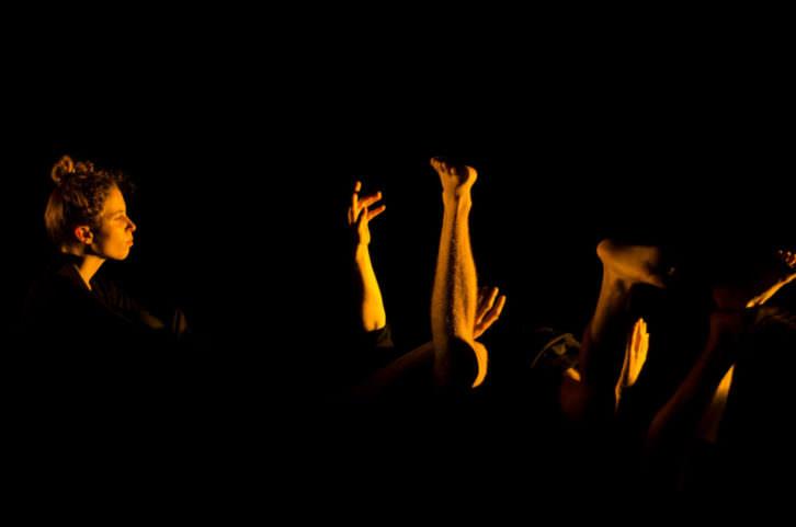 Fotografía de la obra 'No hay que ser una casa para tener fantasma'. Imagen cortesía de Prácido Domingo.