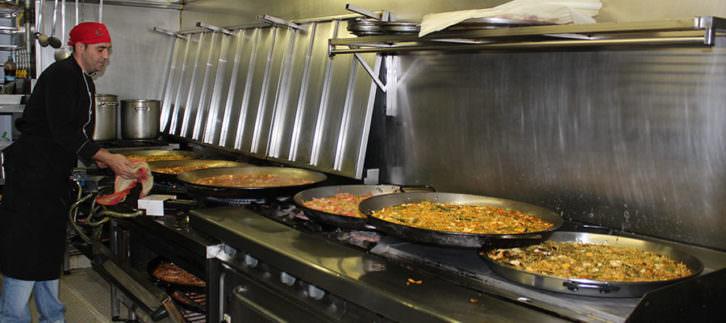 Cocina del restaurante Palace Fesol. Imagen cortesía del Palace Fesol.