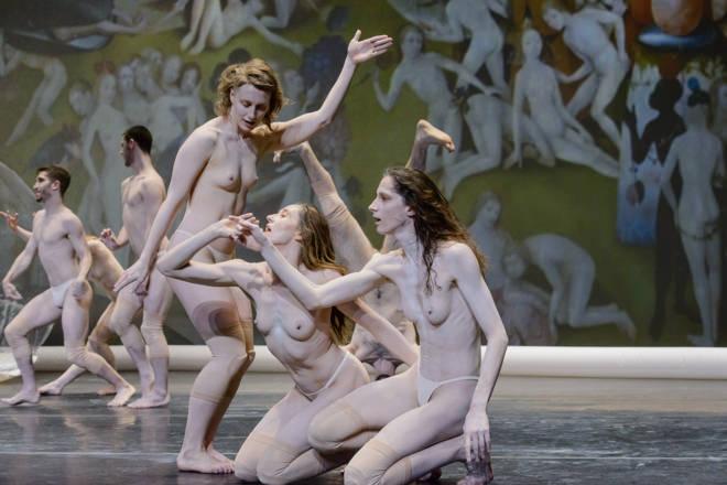 Un instante de la representación de 'El jardín de las delicias', de Marie Chouinard. Fotografía cortesía de Sagunt a Escena.