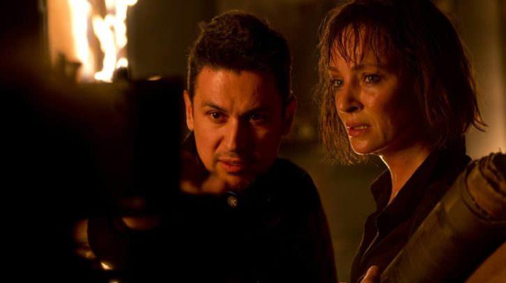 Rodrigo Cortés dirige a Uma Thurman en el rodaje de 'Blackwood'.