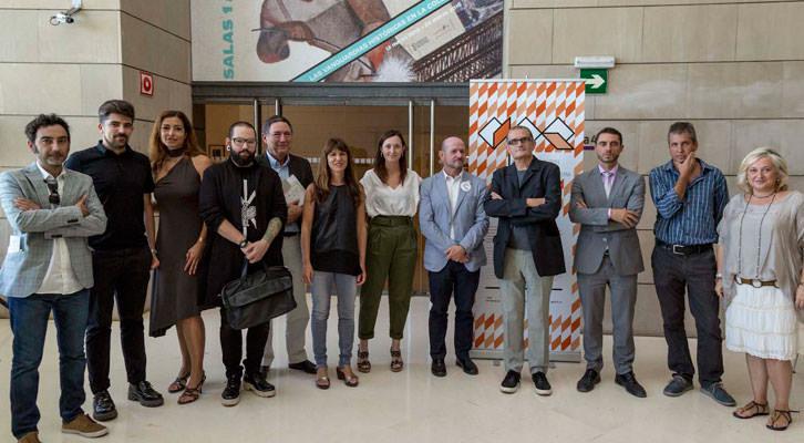 Responsables institucionales y galeristas en la presentación del Abierto Valencia.