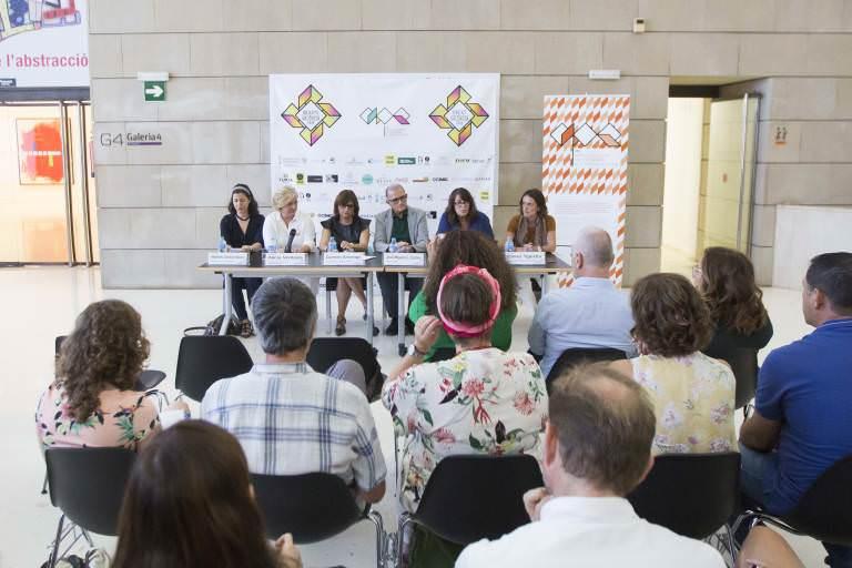Momento en que se dieron  a conocer los premiados del Abierto Valencia 2018 en el IVAM. Imagen cortesía de LaVAC.