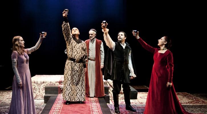 Sala Russafa arranca su octava temporada con las últimas funciones de 'Matar al Rey', que se despide de los escenarios tras cuatro años de gira. Fotografía cortesía del teatro.