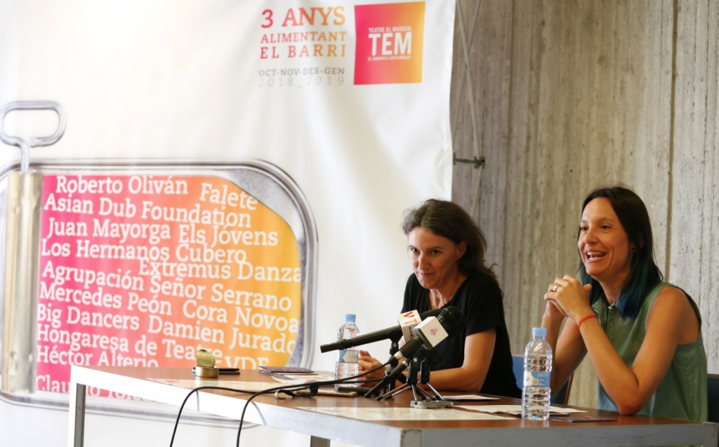 María Oliver (izquierda) y Olga Álvarez, durante la rueda de prensa de presentación de las programaciones del TEM y La Mutant. Imagen cortesía del Ayuntamiento de Valencia.