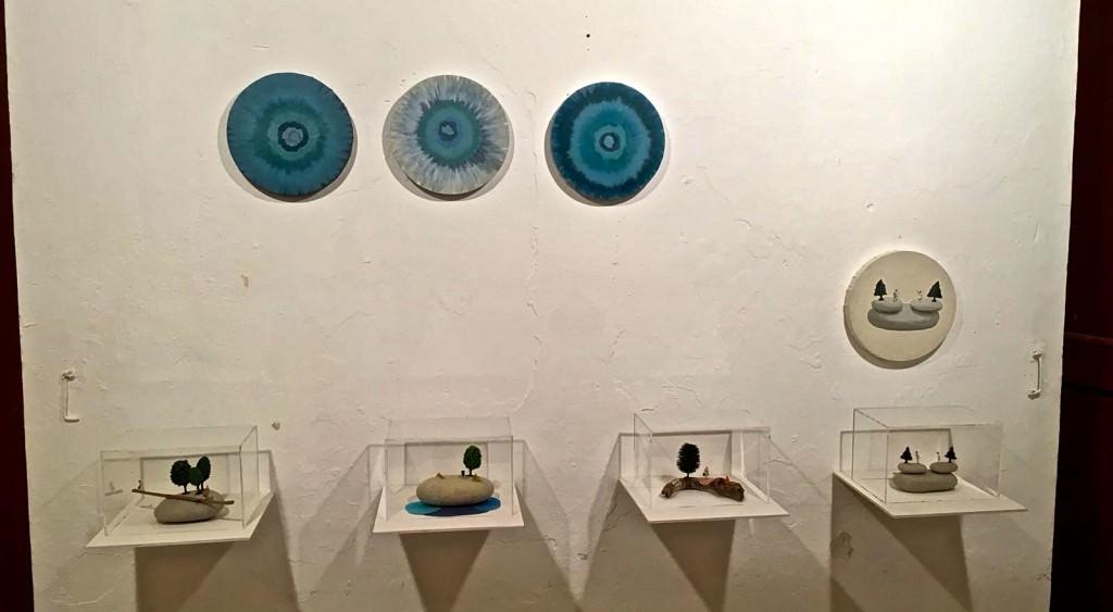 Imagen de algunas de las piezas de la artista Marisa Casalduero que forman parte de la exposición. Fotografía: Marisa Giménez Soler.