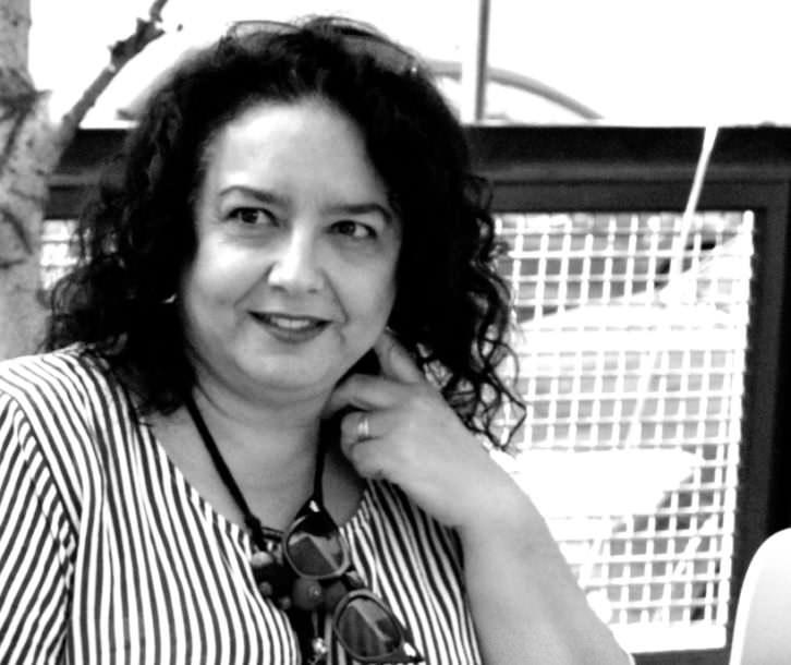 Begoña Martínez, responsable de la Galería Aural, en un momento de los Desayunos Makma. Foto: Merche Medina.