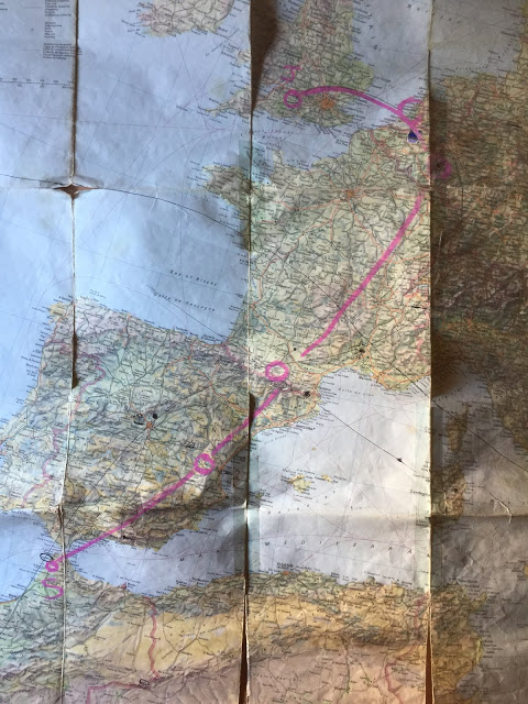 Mapa que señaliza los encuentros que constituyen la Línea Sur-Norte de M'zora Caravanne. Fotografía cortesía de Emilio Gallego.