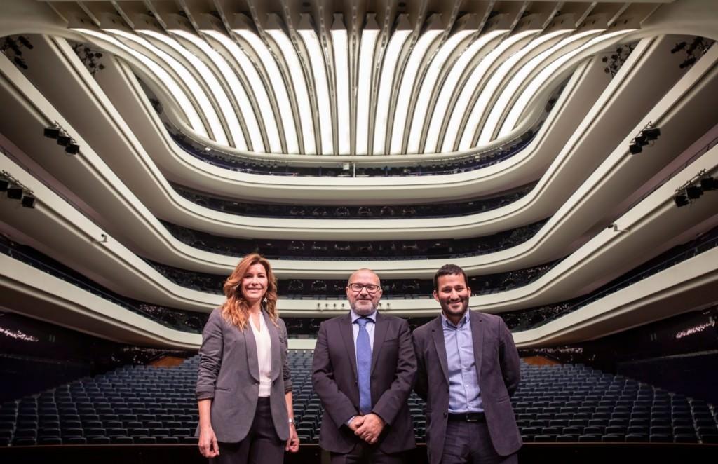 De izda a dcha, Susana Lloret, Jesús Iglesias Noriega y Vicent Marzà. Imagen cortesía de Les Arts.