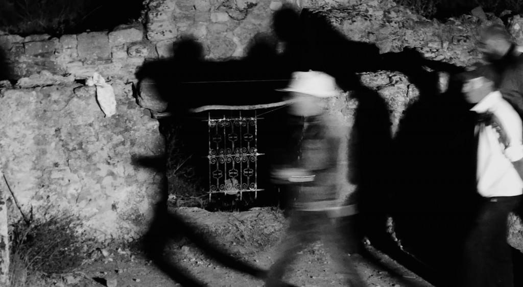 Un instante de la celebración del equinoccio de creación - M'zora Caravanne, en el yacimiento arqueológico de Lixus (Larache, Marruecos). Fotografía cortesía de Emilio Gallego.