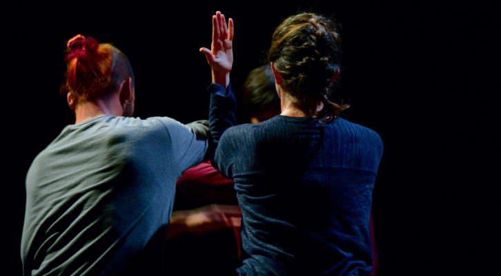 Iván Colom, Cristina Martí y Edwin Valentín representado Metro cuadrado. Fotografía de Alain Dacheux.