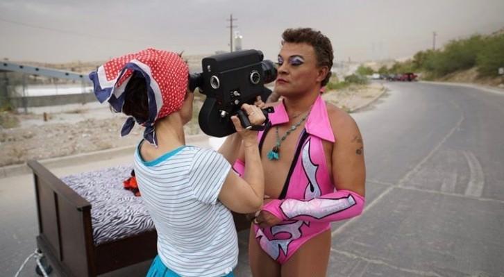 Un instante del rodaje de 'Cassandro The Exótico!', de Marie Losier. Fotografía cortesía del FICX.