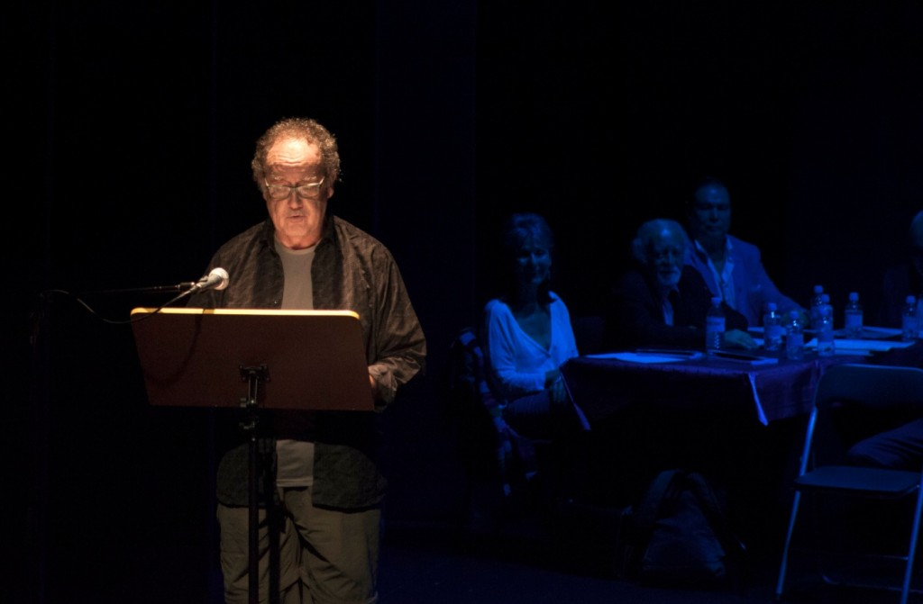 Gaby Fariza durante la presentación de su libro. Imagen cortesía de Fundación Aisge.