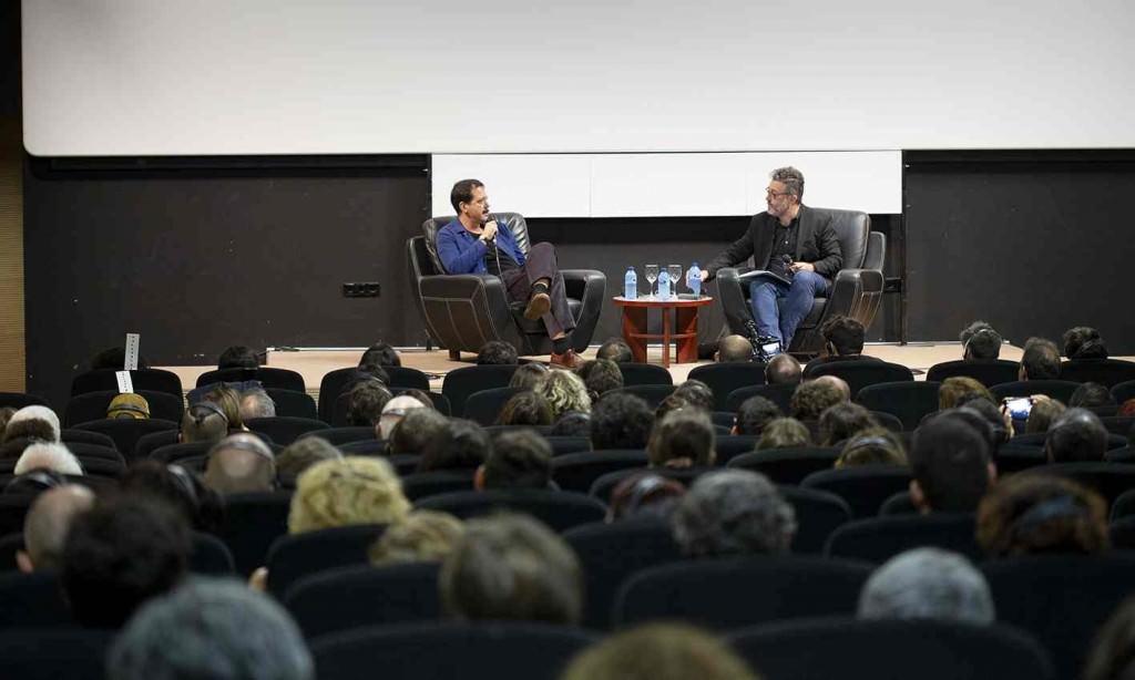 Sobre el escenario, Eduardo Guillot (dcha) y Efti Philipou. Fotografía de Javier Caro.