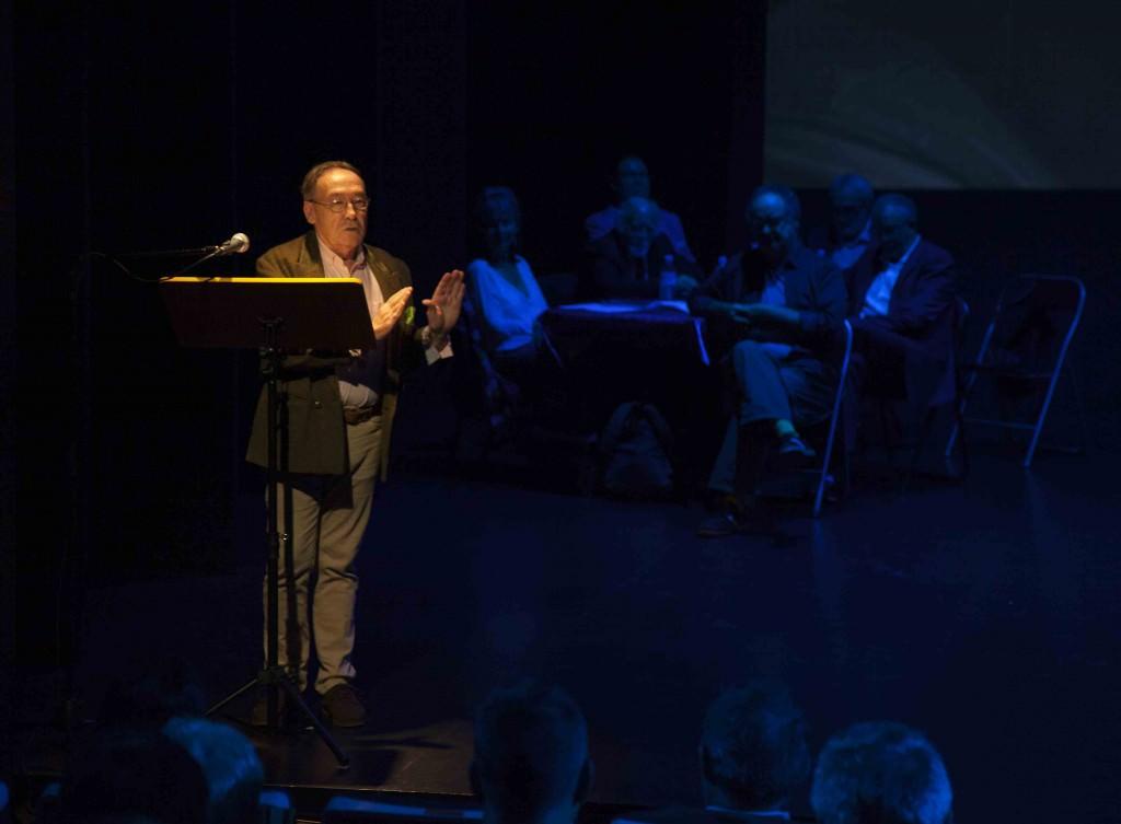 Piero Falla en la presentación de su libro. Imagen cortesía de Fundación Aisge.