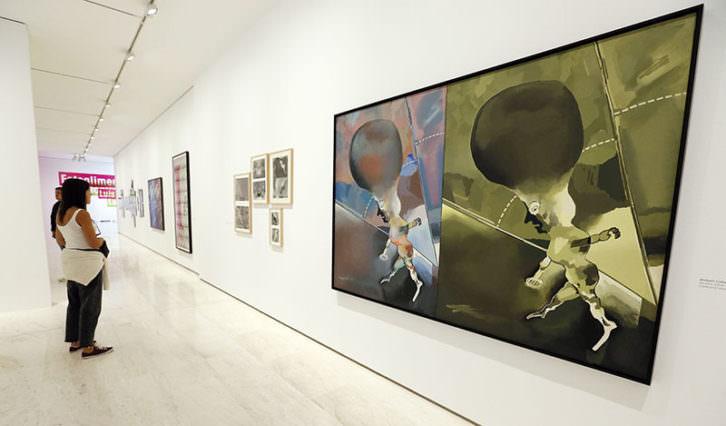Vista de la exposición de Luis Gordillo. Imagen cortesía del MACA.