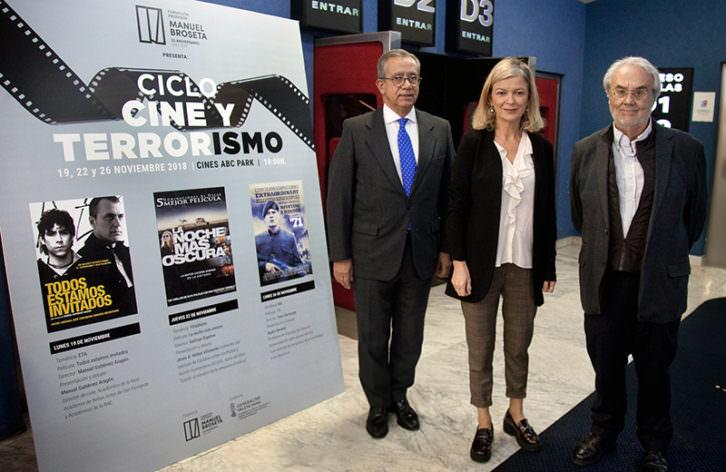 De izda a dcha, Vicente Garrido, Gabriela Bravo y Manuel Gutiérrez Aragón. Imagen cortesía de la Fundación Manuel Broseta.