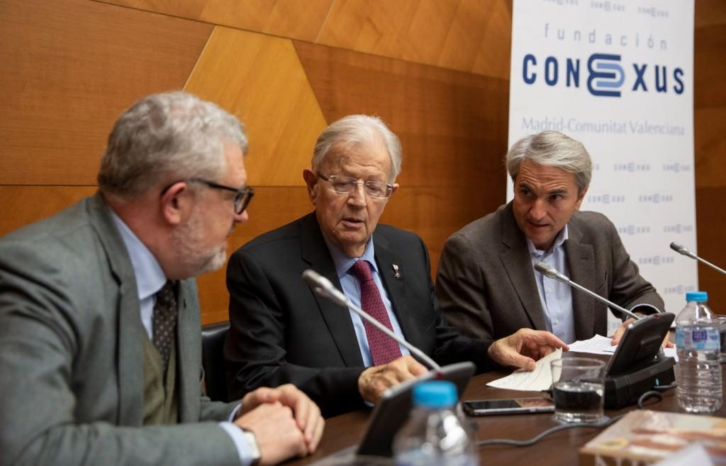 De izda a dcha, Miguel Falomir, Felipe Garín y Manuel Broseta. Imagen cortesía de la Fundación Conexus.