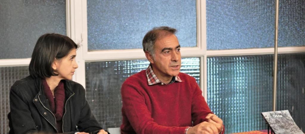 Danae N e Iñaki Torres, durante la presentación del libro 'Odds'. Fotografía: Néstor Navarro