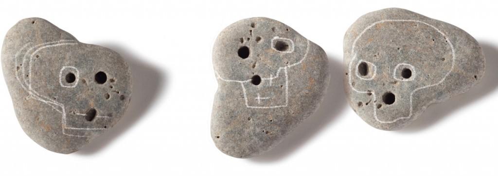 Piedras calaverinas del libro  'Mercurio entre los dedos', de Sebastián Nicolau. Imagen cortesía del autor.