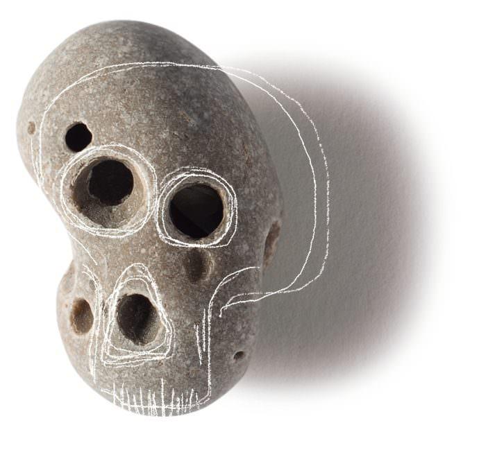 Fotografía de una de las piedras calaverinas del libro 'Mercurio entre los dedos', de Sebastián Nicolau. Imagen cortesía del autor