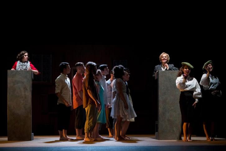 'El Joc de la Pesta' en el Teatro Talia. Fotografía de Vicente A. Jiménez