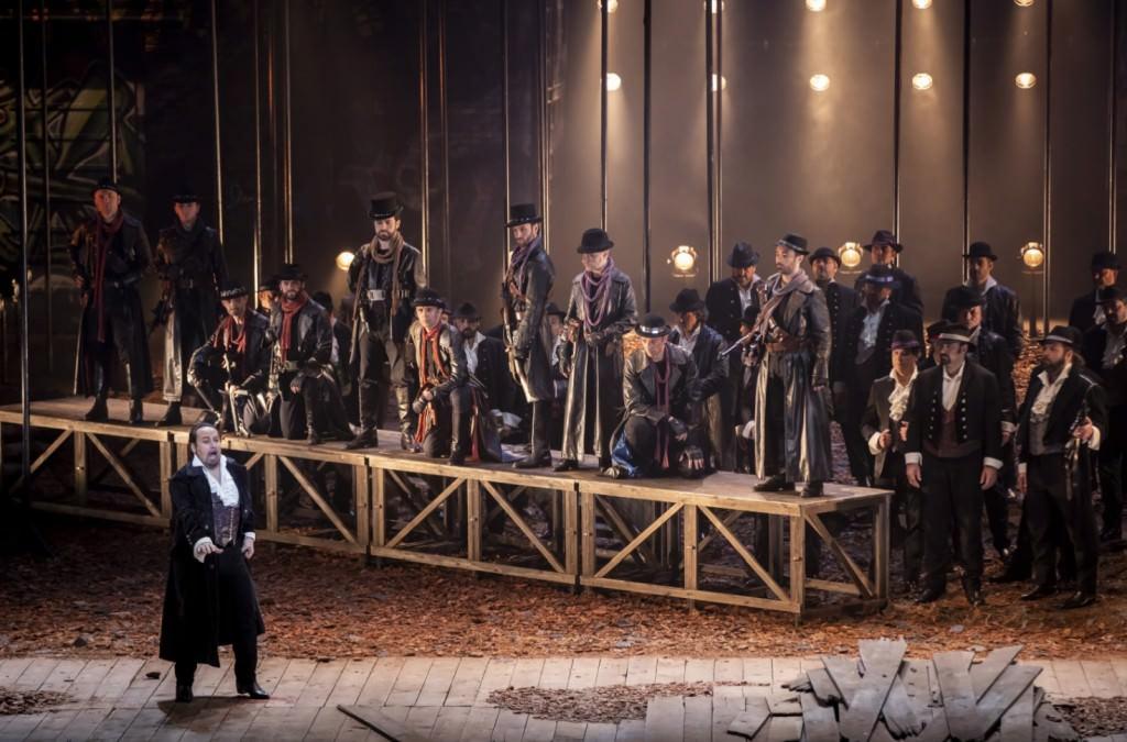 'Il masnadieri', de Giuseppe Verdi. Fotografía de Mikel Ponce y Miguel Lorenzo por cortesía de Les Arts.