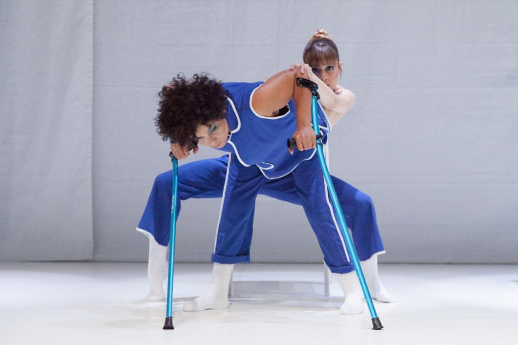 Imagen de la obra 'Canvas of bodies', de Taiat Dansa. Fotografía cortesía de Dansa València.