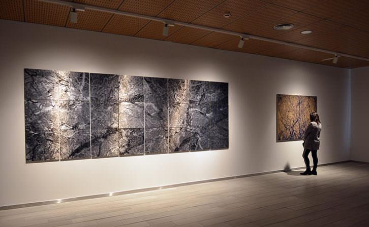 Vista de la exposición de Paco Caparrós. Imagen cortesía de Fundación Bancaja.