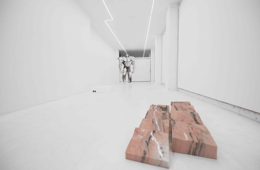 Vista de la exposición de Guillermo Ros. Imagen cortesía de Galería Punto.