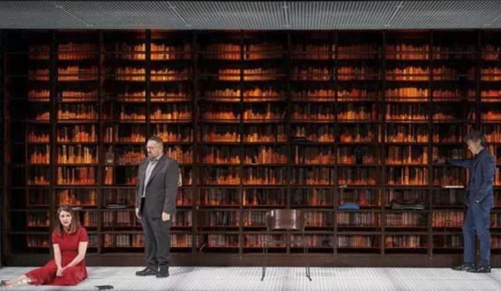 Escena de 'La culpa', de David Mamet, dirigida por Juan Carlos Rubio. Teatro Olympia.