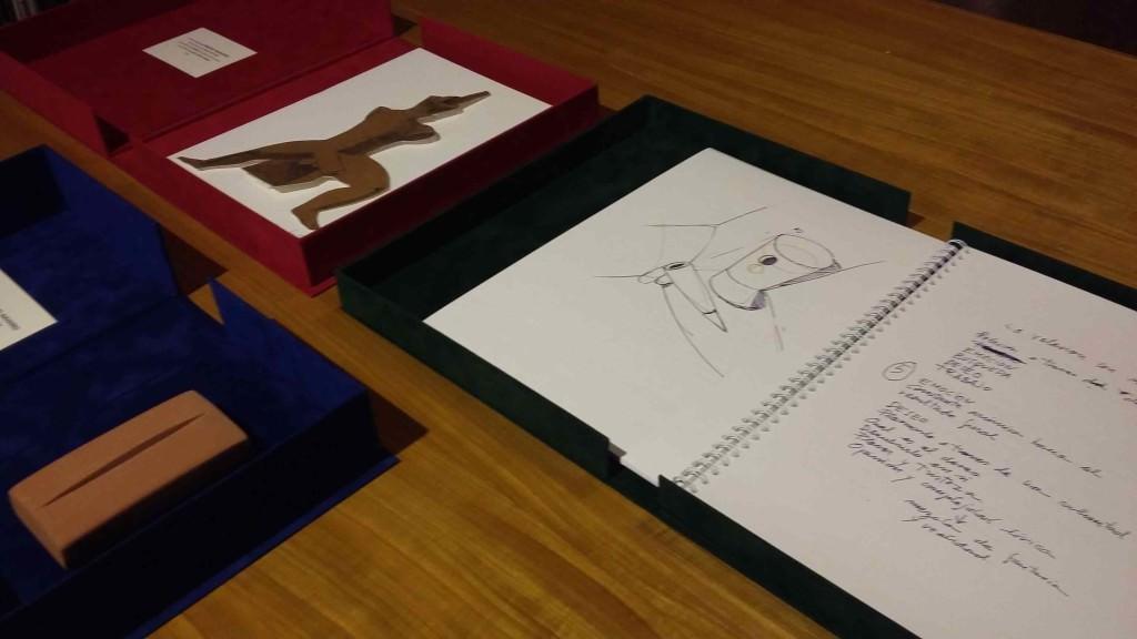 Cuadernos de poesía 'Rozar el aire', de Miquel Navarro. Imagen cortesía de Paper València.