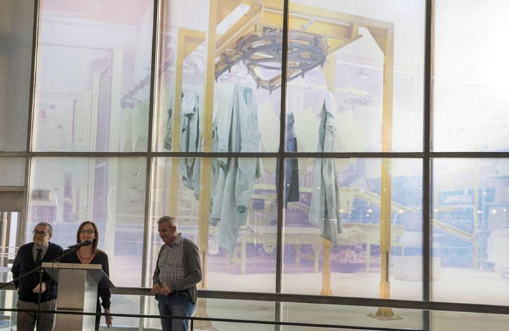 'Davantals vicencials', de María José Planells, en el MuVIM. Foto de Abulaila por cortesía del museo valenciano.