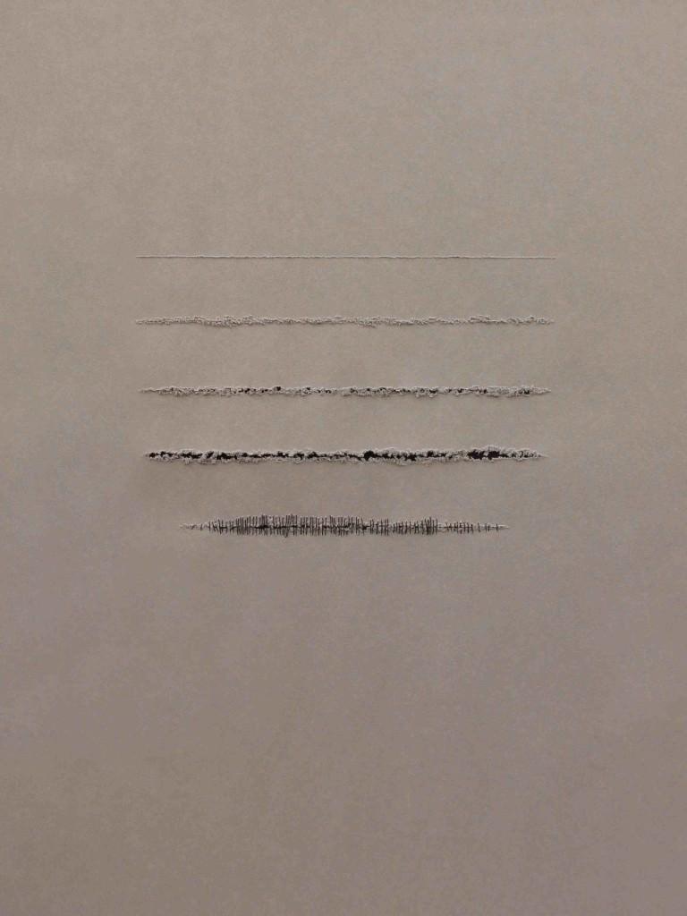 Imagen de una las piezas de la serie 'Todo permaneció en silencio', de Shirin Salehi. Fotografía cortesía de Galería Ana Serratosa.