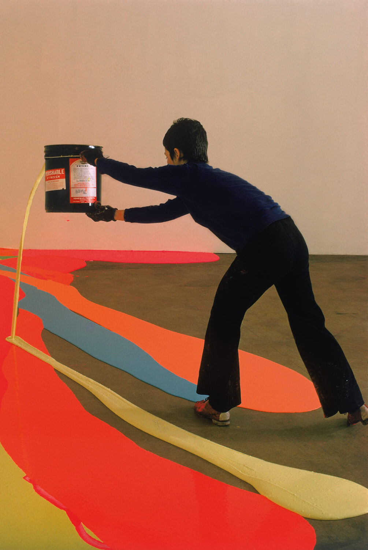 Elles font l'abstraction. La artista Lynda Benglis trabajando en un proyecto encargado para la Universidad de Rhode Island en 1969.
