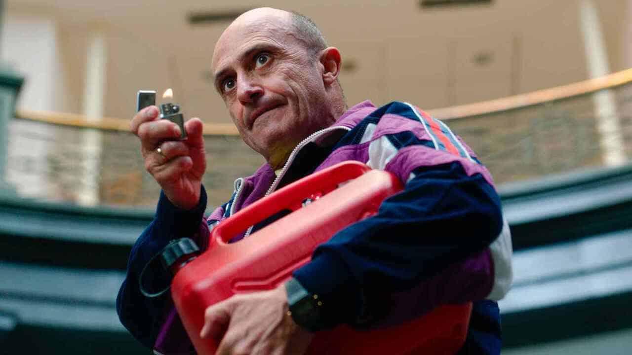 Javier García (Pepe Viyuela) durante un flamígero instante de 'García y García', de Ana Murugarren.